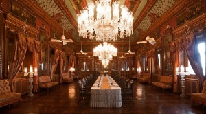 Taj-Falaknuma-Palace-un-palacio-convertido-en-un-hotel-de-lujo6